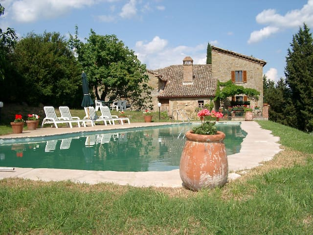 A Piece of Paradise in Umbria! - Morra - Maison