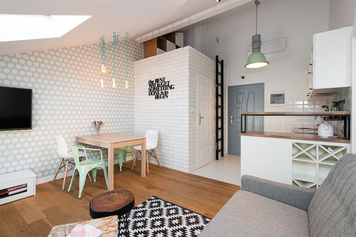 Charming Apartment in Old Town - Krakow - Lägenhet