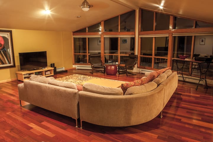 A Luxury Retreat on the Lake - Forestburgh - Huis