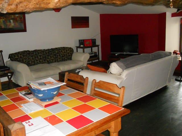 Chambre meublée  , une personne - Mornant - Adosado