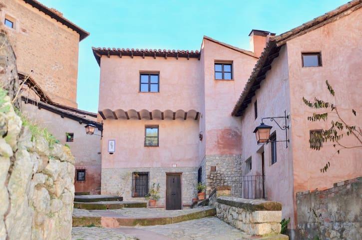 Cozy apartment in the old village of Albarracín - Albarracín - Wohnung