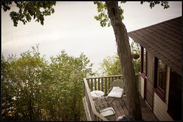 Camp Wandawega: 3 Bedroom Cabin - Elkhorn - Chatka