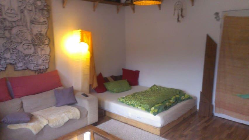 gemütliches Zimmer in entspannter WG - Kiel - Apartamento