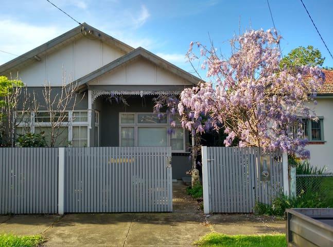 Melbourne 2BRM Victorian Home & Garden Living... - 新港(Newport) - 獨棟