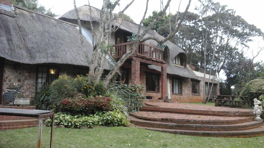Tranquil Retreat near Durban - Hillcrest - Mobilyalı daire