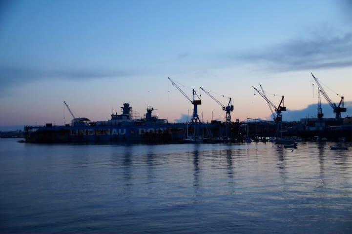 Kiel-Sailing-City. Best spot for Windjammerparade. - Kiel - Leilighet