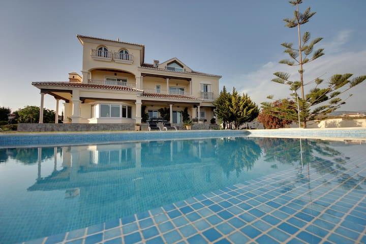 Spectacular Villa/Guesthouse Malaga - Lagos - Bed & Breakfast