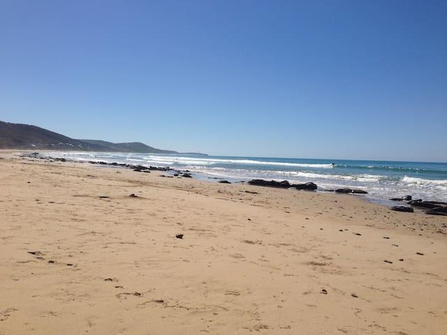 Perfect Beach Shack ! - Moggs Creek - Haus