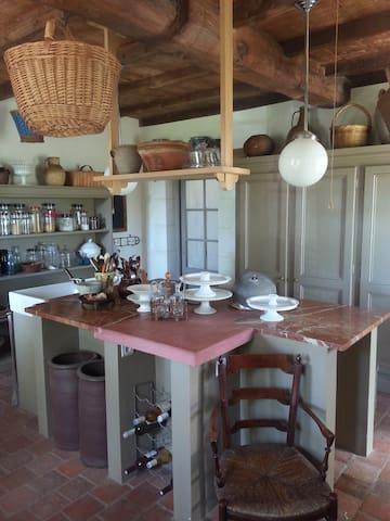 Charming Charentaise house XIX - Varzay - Casa