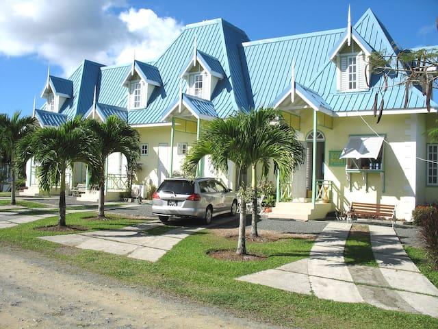 Three bedroom Villa with panoramic sea view - Black Rock - Villa