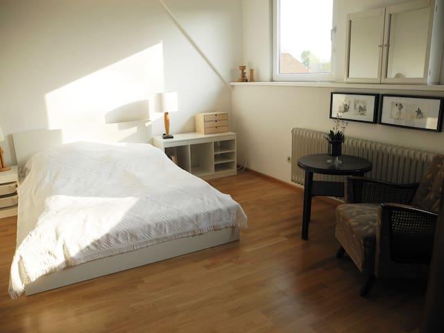 Gemütliche 3-Zimmer-Wohnung - Isernhagen - Leilighet