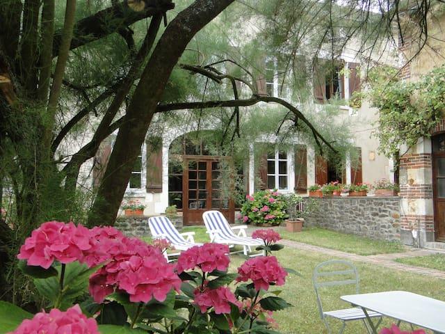 maison de Fontaines - Fontaines - Haus