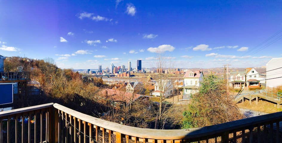 Stunning View in Southside Slopes - Pittsburgh - Rumah