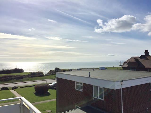 Sea view apartment - Barton on Sea