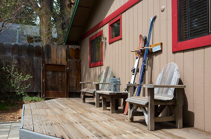 Hugger's Hideaway - South Lake Tahoe - Appartement