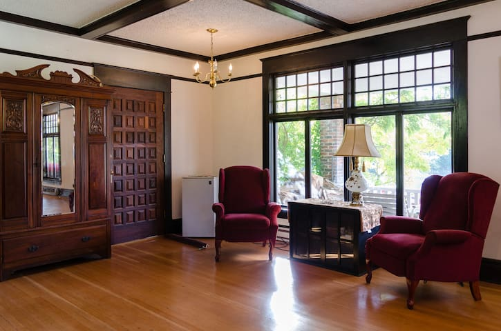 Historic Inn private room 2 - ポートタウンゼンド - 一軒家