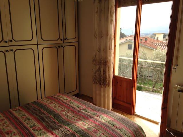Bilocale con vista sulla campagna toscana - Borgo San Lorenzo - Appartement