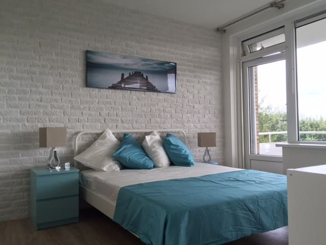 """Work and relax in our """"Beach and Ocean"""" apartment! - Rijswijk - Byt"""