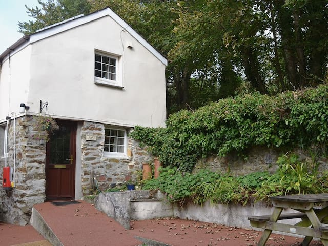 The Barn - Ideal base for beaches and coast path - Cornwall - Casa