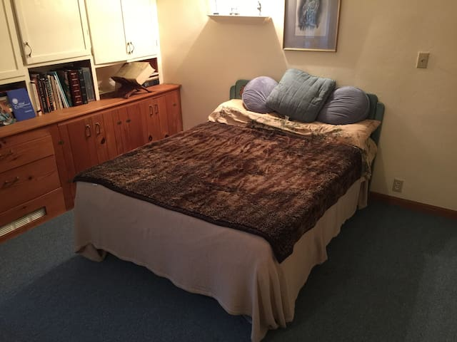 Small Bedroom - Chester