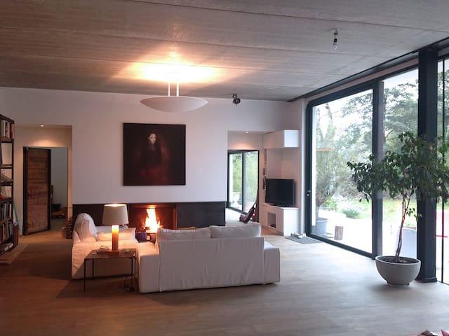 Private Bedroom in contemporary House Waterloo BE - Waterloo - Casa