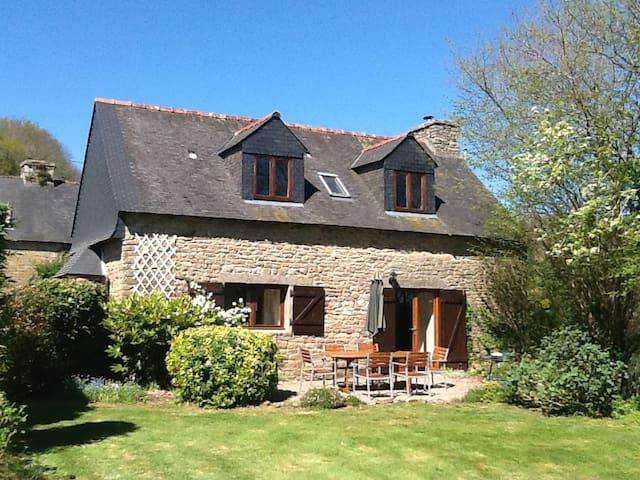 Alice Cottage, Bot Coet Cottages - Ploërdut - Talo