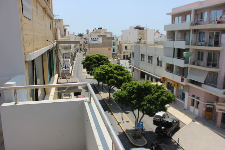 Central apartment 100m from seaside of Ierapetra - Ierapetra - Apartemen