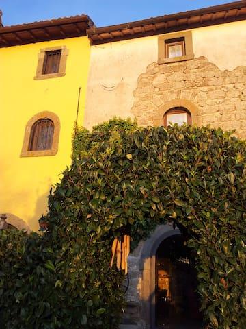 casale in pietra in borgo antico - Montefiascone - Hus