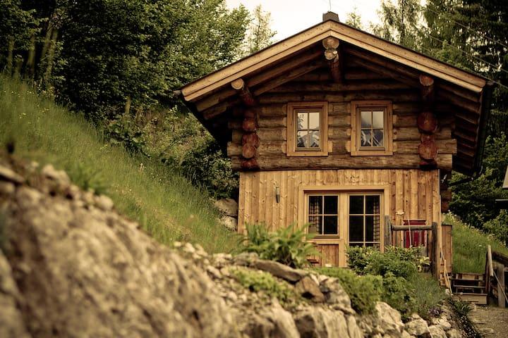 Romantik in der eigenen Blockhütte  - Maria Alm - Kabin