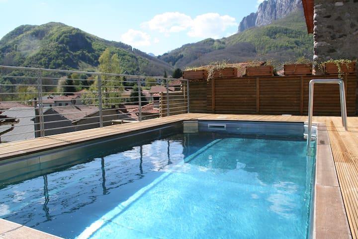 FARRO: cottage for 2/4 with pool - Gorfigliano - Leilighet