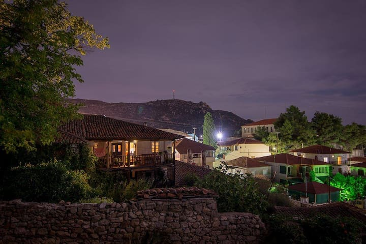 old/traditional/village house/flat - Sikia