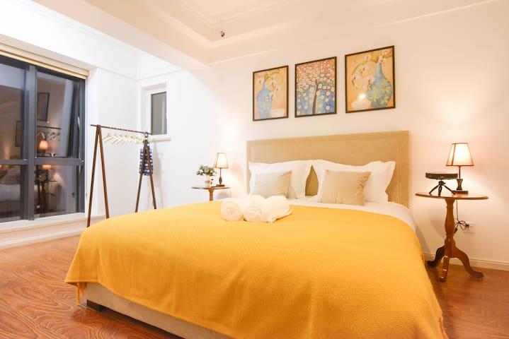 大连经开万达广场美式复古怀旧风电影大床房 - Dalian - Appartement