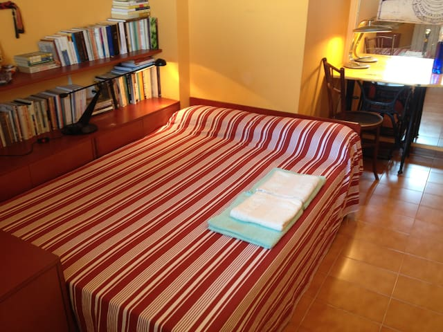 Chambre double avec bain a Sitges - Sitges - Bed & Breakfast