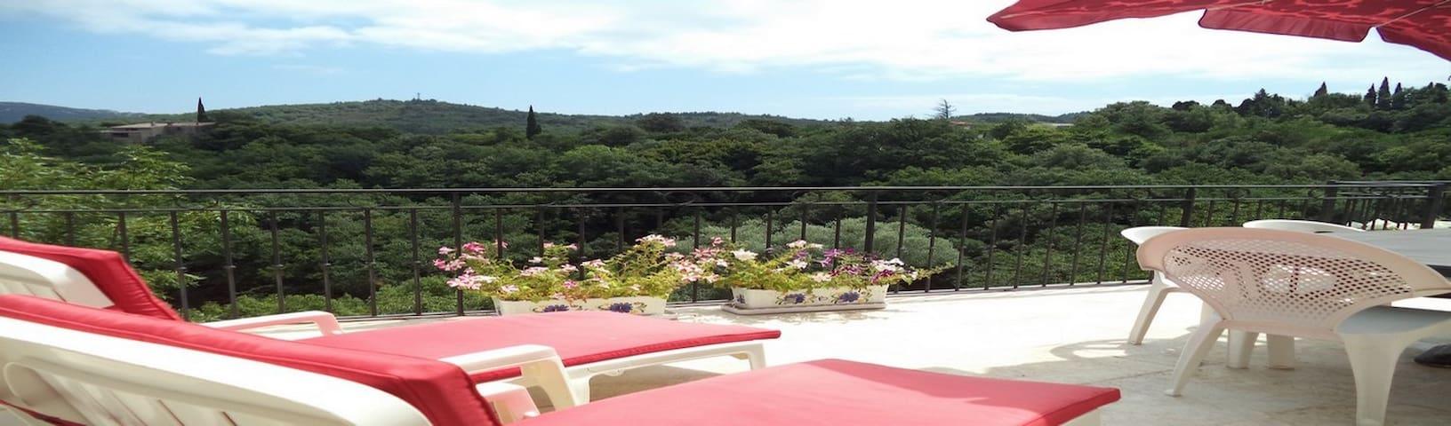 Gîte 130m2 avec Vue panoramique dans les corbieres - Albières