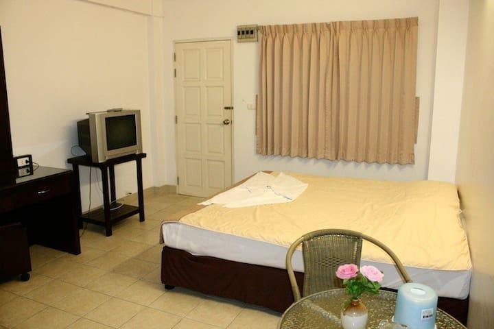 Ekkamon Mansion have Fan room - Phuket - Byt