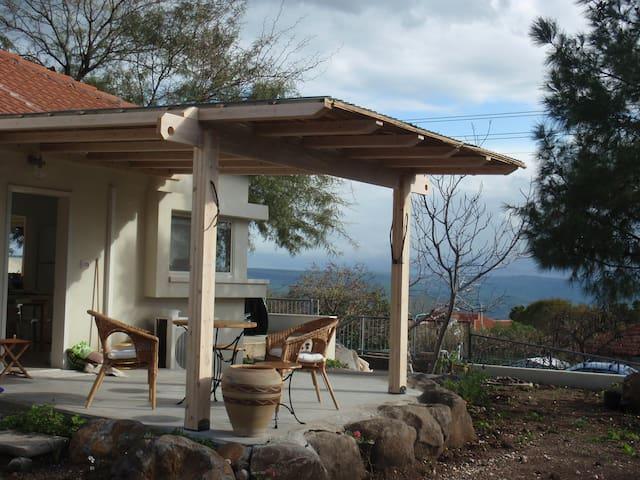 Lovely Home Above Kinneret - Karkom - Hus