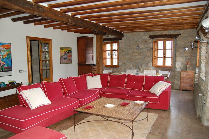 Beautiful and spacious country Home - Armaño - Dům