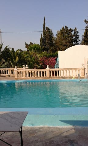 Villa dans une orangeraie piscine - Soliman - Huis
