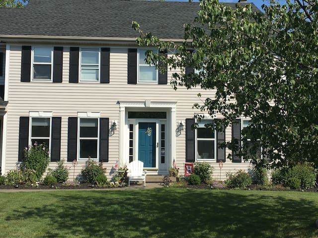 Private, large in-law apartment in quiet Pittsford - Pittsford