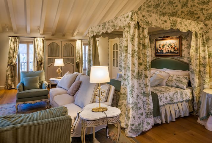 Private suite in luxurycountryhouse - Tarzo - Bed & Breakfast