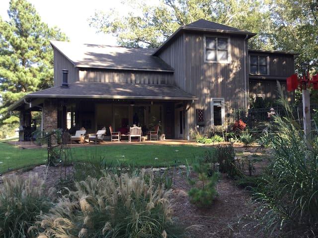 Spacious 2-3 BR Rec House, Memphis - Shelby County - Rumah