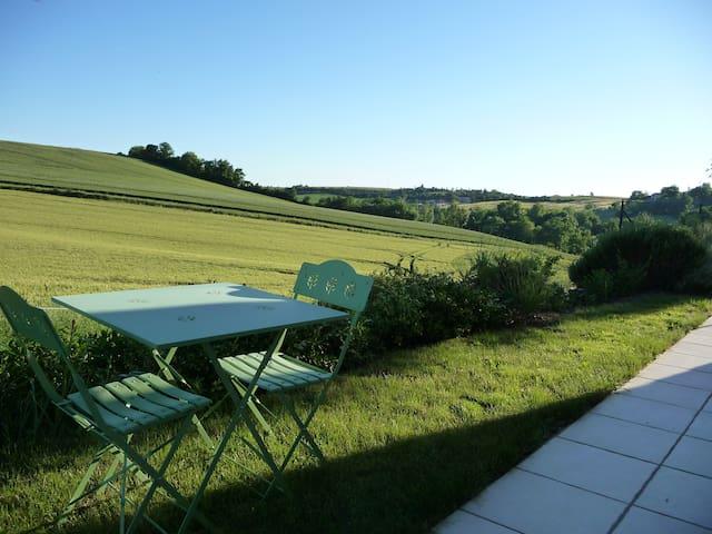 chambre d'hôtes à la campagne - Albi - Bed & Breakfast