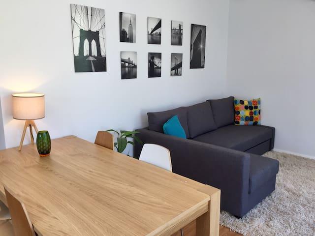 Stylish One Bedroom Adelaide Studio - Unley - Pension