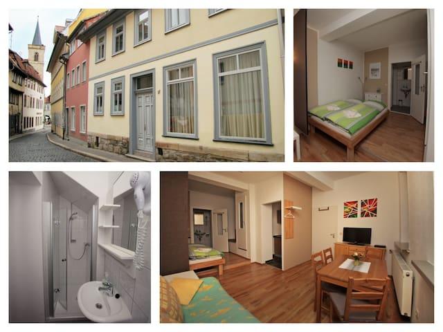 """Central/ in Altstadt """"FeWo Hase"""" - Erfurt - Rumah"""