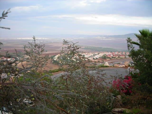 Beautiful Gilboa - Osnat Eyal Yaffe - Gan Ner