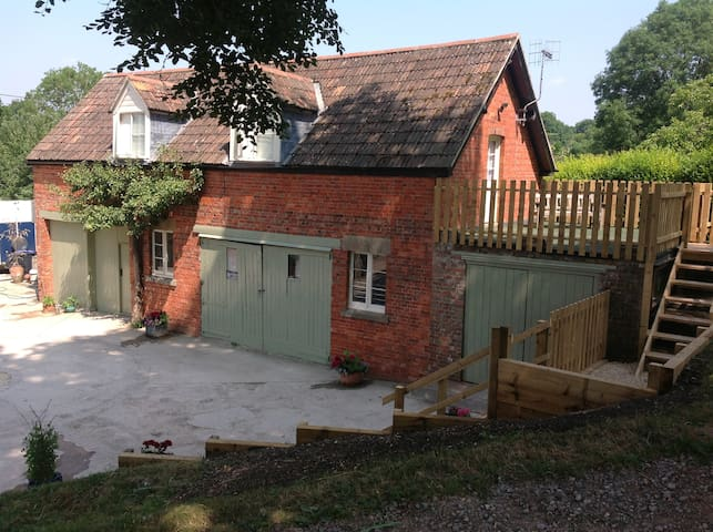 Spacious first floor accommodation - Chitterne