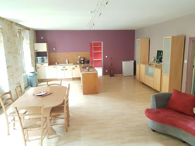 appart hotel pour 1 chambre pour 1 ou 2 personnes - Vayrac - Appartement