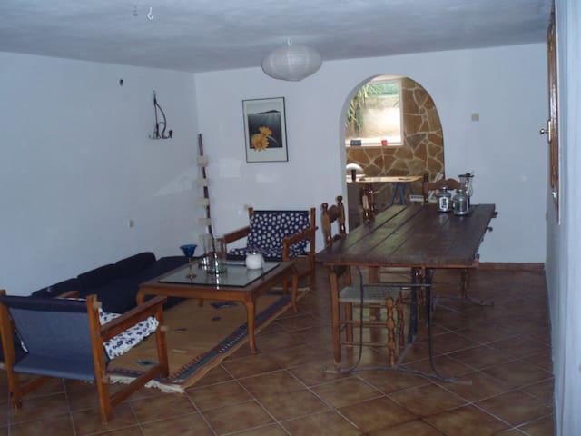 House 130 sqm 10 min from the beach - Kineta - Hus