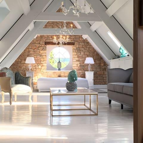 Romantic designer loft with views over lake - Cheltenham - Çatı Katı