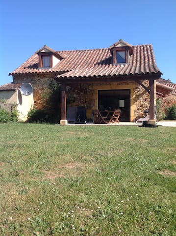 Les Cabanes tranquil detached holiday home - Saint-Caprais - Huis